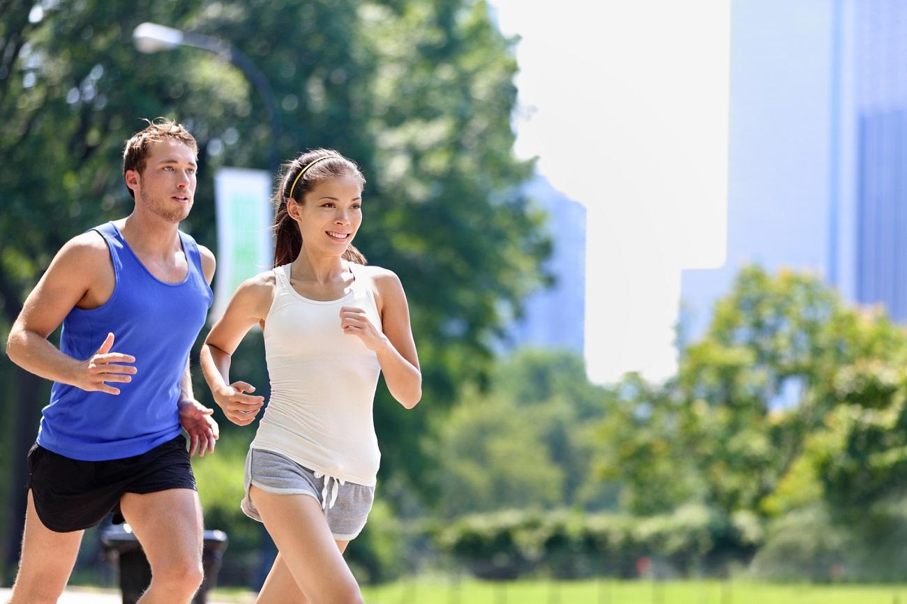 Example of running clothes for hot weather for men and women